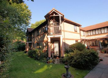 Thumbnail 1 bed property for sale in Linden Court, Park Gate, Southampton
