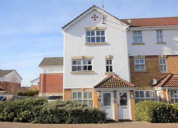 Thumbnail 2 bed maisonette for sale in Evensyde, Croxley Green, Herts