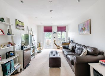 Thumbnail 2 bed flat to rent in Kelvedon Road, Parsons Green, London