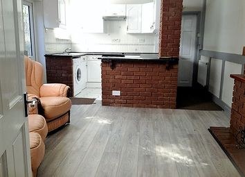 Thumbnail 1 bed flat to rent in Lyndhurst Road, Pennfields