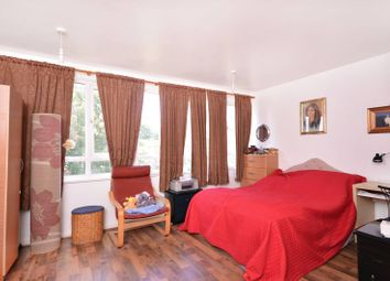 2 bed maisonette for sale in Clark Street, Stepney E1
