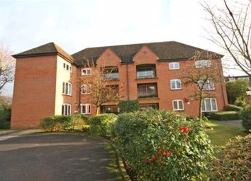 Thumbnail 2 bedroom flat to rent in Reynolds Road, Beaconsfield