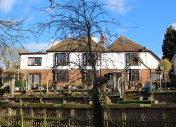 Thumbnail 6 bed detached house for sale in Newbury Road, Lambourn, Hungerford
