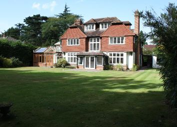 Thumbnail 6 bed detached house to rent in Hockering Road, Woking