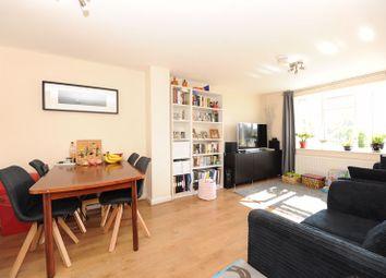 East Mead, Ruislip HA4. 2 bed flat