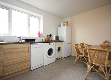 3 bed flat to rent in Military Road, Canterbury CT1
