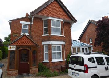 2 bed flat to rent in Wokingham Road, Binfield, Bracknell RG42