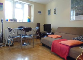 Thumbnail 1 bed flat to rent in Battersea High Street, Battersea, London