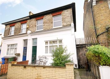 Thumbnail 1 bed flat to rent in Hindmans Road, East Dulwich, London