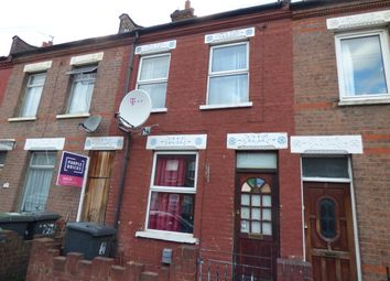 Thumbnail 2 bedroom terraced house to rent in Oak Road, Luton