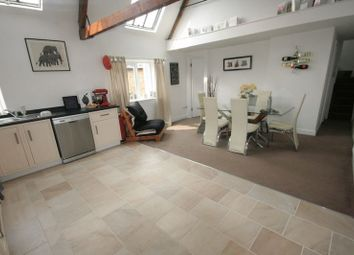 Thumbnail 2 bedroom flat to rent in Market Place, Brackley