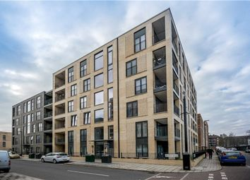 Thumbnail 1 bed flat to rent in Bramah Road, Oval, London
