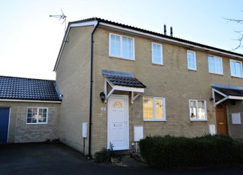 3 bed end terrace house to rent in Blackbird Close, Burghfield Common, Reading RG7