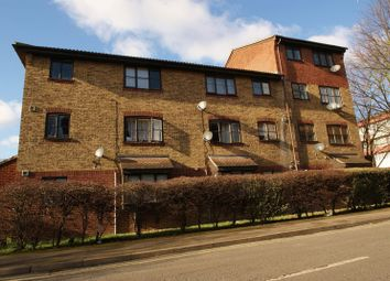 Thumbnail 1 bedroom flat to rent in Conway Gardens, Grays