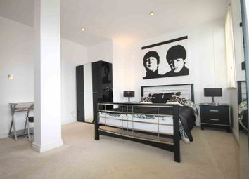 2 bed flat to rent in Oxford Road, Manchester M1