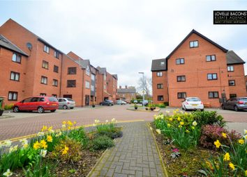 Thumbnail 2 bed flat for sale in Grosvenor Crescent, Grimsby