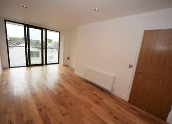 Thumbnail 1 bed flat to rent in Regents Park Road, Gateway House, London