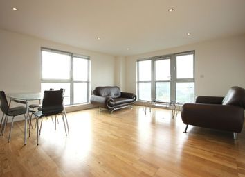 2 bed flat to let in Southgate Road