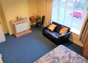 4 bed terraced house to rent in Woodbridge Hill, Guildford, Surrey GU2
