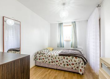 Thumbnail 2 bed flat for sale in Westferry Road, Canary Wharf