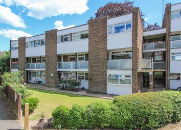 2 bed flat for sale in Queens Court, Queens Road, Hertford SG13