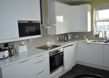 Thumbnail 4 bed shared accommodation to rent in Greenwich South Street, London