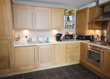 Thumbnail 1 bed flat to rent in Hampden Crescent, Bracknell