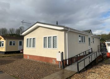 2 bed mobile/park home for sale in Allington Lane, West End, Southampton SO30