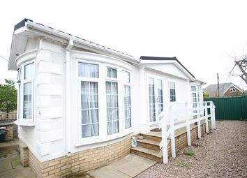 Thumbnail 1 bed mobile/park home for sale in Fairoaks Residential Park, Aldershot Road, Guildford, Surrey