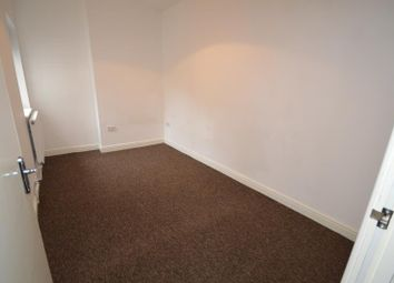 Thumbnail 2 bed property to rent in Wakefield Road, London