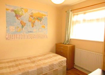 Resolution Walk, London SE18. Room to rent