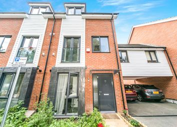 Thumbnail 4 bedroom town house to rent in Robert Parker Road, Reading