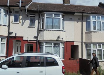 Thumbnail 3 bed terraced house to rent in Selbourne Road, Luton