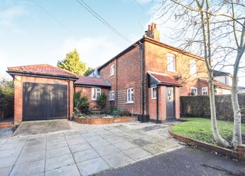 Thumbnail 4 bed cottage for sale in South Hanningfield Road, Rettendon Common, Chelmsford