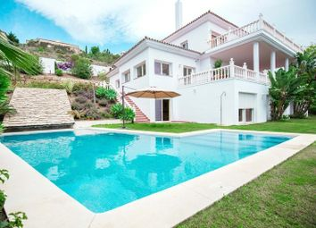 Thumbnail 6 bed villa for sale in Estepona, Málaga, Spain