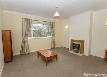 2 bed maisonette to rent in High Street, Southgate N14