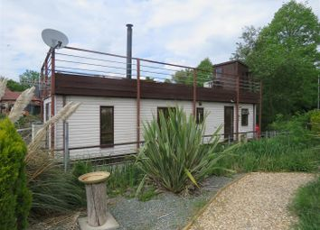 Thumbnail 2 bedroom mobile/park home for sale in Banks End, Wyton, Huntingdon