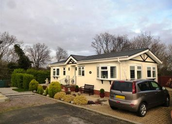 Thumbnail 2 bedroom mobile/park home for sale in Oak Tree Lane, Eastbourne
