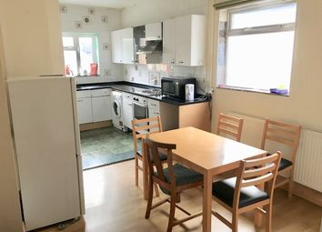 5 bed flat to rent in Cherry Orchard Road, Croydon CR0
