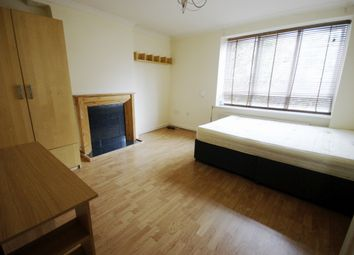 Thumbnail 2 bed flat to rent in Hildrop Road, Camden, London