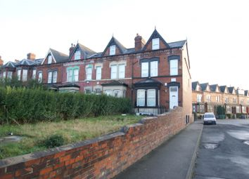 Thumbnail 10 bed terraced house to rent in Brudenell Road, Hyde Park, Leeds