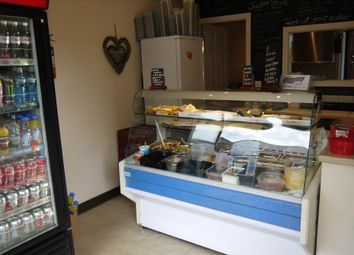 Thumbnail Restaurant/cafe for sale in Cafe & Sandwich Bars BD19, West Yorkshire