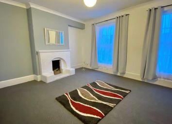 2 bed flat to rent in Church Street, Paignton TQ3