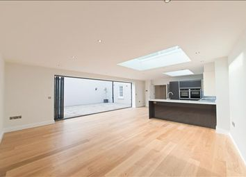 Thumbnail 3 bed flat for sale in Islington High Street, London