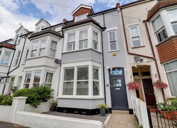 Victor Drive, Leigh-On-Sea SS9. 2 bed flat