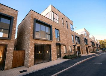 Thumbnail 4 bed town house to rent in Windmill Drive, Trumpington, Cambridge