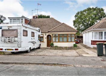 Southview Road, Hockley SS5. 3 bed semi-detached bungalow
