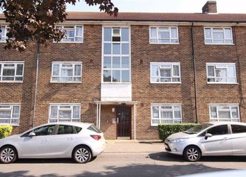 Whalebone Lane South, Dagenham, Essex RM8. 2 bed flat