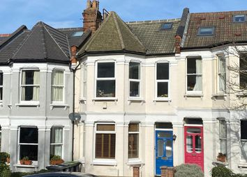 Victoria Road, London N22. 2 bed flat for sale