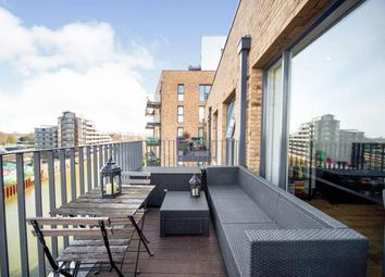 8 Nicholson Square, Bow, London E3. 1 bed flat for sale
